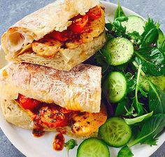 Recipe for Peri-Peri Chicken in a delicious wine-based sauce - serve with ciabatta rolls and a side salad. Healthy Family Meals, Healthy Snacks, Dinner Box, Peri Peri Chicken, Green Salad Recipes, Light Recipes, Cooking Classes, Rolls, Food And Drink