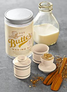 For the DIY Chef: butter making kit.