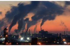 Уже третий день подряд жители Новоильинского района Новокузнецка непрерывно жалуются на плохое качество воздуха в районе. Кроме того, выбросы сильно влияют и на другие районы города. <br><br> Подробности: http://vashgorod.ru/news/34558