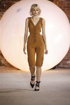Self-Portrait Spring 2017 Ready-to-Wear Fashion Show - NEW YORK FASHION WEEK