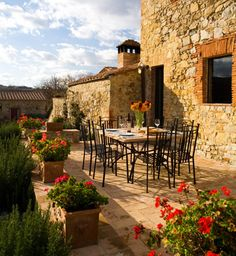 The home in Tuscany- I would love to be there!