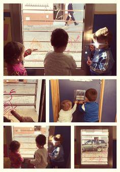 Proyecto del otoño en una clase de niños de un año