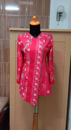 Modest Fashion Hijab, Muslim Fashion, Fashion Dresses, Blouse Batik, Batik Dress, Mode Batik, Batik Kebaya, Batik Fashion, Fancy Tops