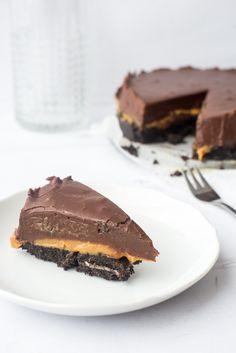 Chocoladefudgetaart met gezouten karamel