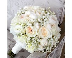 Modern bridal bouquet babies breath Ideas for 2019 Simple Wedding Bouquets, Wedding Brooch Bouquets, Bride Bouquets, Floral Wedding, Wedding Flowers, Bridal Shower Decorations, Wedding Decorations, Baby's Breath Bridal Bouquet, Unique Bridal Shower