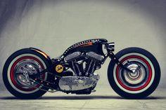 Sportster personalizada pela francesa Art of Racer | ☠ Cafe Rockers