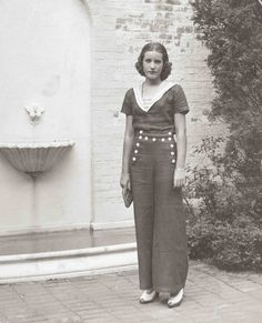 Little Edie in front of Guild Hall, East Hampton, NY, 1936.
