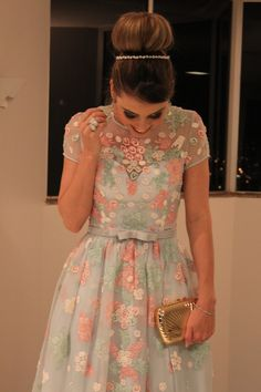 IMG_1782 Pretty Dresses, Beautiful Dresses, Fiesta Outfit, Modelos Fashion, Floral Lace Dress, Prom Dresses, Formal Dresses, African Fashion Dresses, Cute Fashion