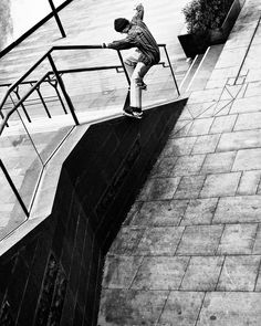 @grey_skate_mag sur Instagram : « @battybills, slappy nosegrind, #CIS. : Kingsford. As seen in Seb's new #greyvideopart by… »