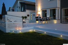 hus,altan,trädgård,belysning Patio Balcony Ideas, Outdoor Patio Designs, Outdoor Landscaping, Backyard Patio, Outdoor Gardens, Small Outdoor Spaces, Fire Pit Patio, Exterior Design, Outdoor Living