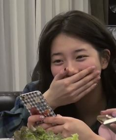 Bae Suzy without makeup / still beautiful / Off The Rec. Miss A Suzy, Anime Titles, Adventure Time Marceline, Cute Korean Girl, Bae Suzy, Without Makeup, Vintage Girls, Ulzzang Girl, Pretty Face