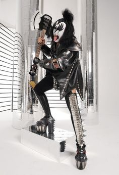 Gene Simmons Gene Simmons Kiss, Kiss Images, Kiss Photo, Best Rock Bands, Kiss Band, Hot Band, Punk Outfits, Free Youtube, Lineup