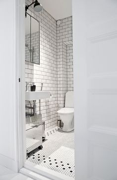 "Black and White tile bathroom - I like the black ""border"" with the white tiles Bathroom Renos, White Bathroom, Bathroom Interior, Modern Bathroom, Small Bathroom, Bathroom Tiling, Basement Bathroom, Bad Inspiration, Decoration Inspiration"