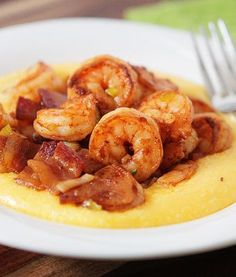 Shrimp and grits is southern classic comfort food. Try this authentic shrimp and grits recipe with the best cheese grits recipe ever! Fish Recipes, Seafood Recipes, Great Recipes, Cooking Recipes, Favorite Recipes, Cooking Kids, Recipies, Think Food, I Love Food