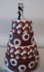 wedding cake: Retro