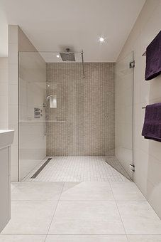 52 Natural Stone Bathroom Tile Design - Have Fun Decor Bathroom Tile Designs, Bathroom Inspo, Bathroom Interior, Bathroom Inspiration, Modern Bathroom, Small Bathroom, Natural Stone Bathroom, Bad Inspiration, Kabine
