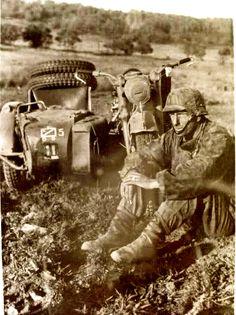 Moto con sidecar temática II WW.