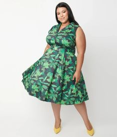Plus Size Navy & Green Tropical Print Jani Swing Dress Navy And Green, Swing Dress, Cocktail Attire, Plus Size, Unique Vintage, Curves, Tropical, Summer Dresses, Elegant
