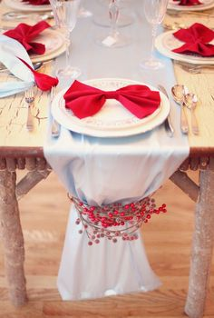 this would be so cute for wedding guests at their table with little name tags on the bows