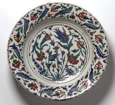 Pottery from Turkey: Dish ,Turkey, Iznik, Ottoman, late century AH / late century AD Ceramic Plates, Ceramic Pottery, Pottery Art, Decorative Plates, Turkish Tiles, Turkish Art, Ottoman, Pottery Designs, Porcelain Tile