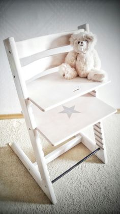 Stokke Tripp Trapp v novém kabátku :-) Stokke Tripp Trapp high chair makeover - painted with love for my baby boy ♡