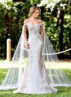 Viking Wedding Dress, Wedding Cape, Fall Wedding Dresses, Boho Wedding Dress, Bridal Dresses, Maggie Sottero Wedding Dresses, Christmas Wedding Dresses, Woodland Wedding Dress, Fitted Lace Wedding Dress