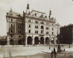 Andrássy (Sugár) út 25., Drechsler-palota. A felvétel 1884-1890 között készült. A kép forrását kérjük így adja meg: Fortepan / Budapest Főváros Levéltára. Levéltári jelzet: HU.BFL.XV.19.d.1.06.053