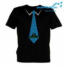 """Aktualnie dostępne koszulki z długim lub krótkim rękawem, w rozmiarach: S-XXL  Przed zakupem sprawdź wymiary w tabeli poniżej.  Czarna, czerwona lub biała koszulka męska z napisem """"Pan Dziadek"""" Idealna na prezent! Mens Tops, T Shirt, Fashion, Supreme T Shirt, Moda, Tee Shirt, Fashion Styles, Fashion Illustrations, Tee"""