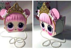 Bolso muñeca  LoL en goma eva Crochet Diy, Bratz Doll, Art N Craft, Doll Tutorial, Lol Dolls, Sewing Toys, Fairy Dolls, Softies, Doll Patterns