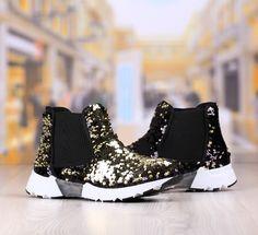 Pantofi Casual Dama Negru-Auriu Cod: 335p Rubber Rain Boots, Casual, Shoes, Fashion, Moda, Zapatos, Shoes Outlet, Fashion Styles, Shoe
