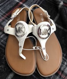 abdcb1d5f3b 225 Best Sandals images in 2018 | Sandals, Shoes, Fashion