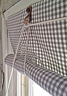 Never Worry About Vertical Blind Again – TRENDS U NEED TO KNOW Vertical blinds are a great alternative to traditional Curtains because they offer similar light excluding capabilities, while offering the added bene… Diy Blinds, Curtains With Blinds, Drapes Curtains, Diy Roller Blinds, Gypsy Curtains, Drapery, House Blinds, Blinds For Windows, Window Coverings