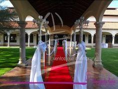 Alfombra roja en la recepción de la Graduación de la Prepa Oficial Generación 2011-2014 en Hacienda del Conde #EventosqueEnamoran