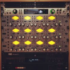 Universal Audio Rack     https://www.youtube.com/playlist?list=PL2qcTIIqLo7Uwb76_wNpg4v95m7Nrfdsa
