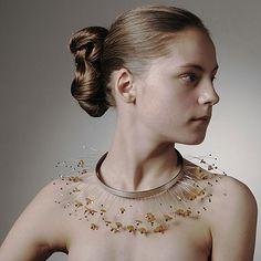 lisbeth nordskov-DK Halssmykkke Silver, nylon, gold, amber and shells