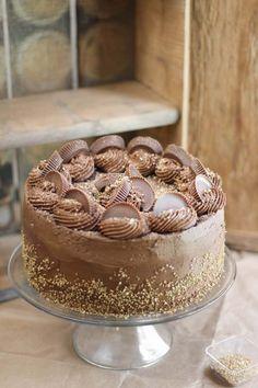 Peanut Butter Cup Brownie Cake | Sprinkle Bakes