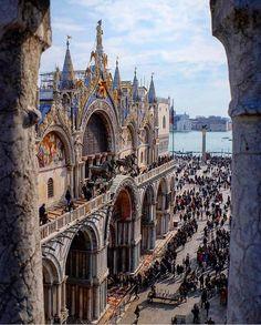 Praça São Marcos, Veneza, Itália http://abnb.me/e/1Bw4yfnlSC