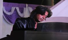 Live Piano Concerts - Contact us for Live piano concerts in surat. We are famous in wedding concerts, co operate concerts - live Piano Concerts By Robins artman.  Robins Artman Mob-9377111015