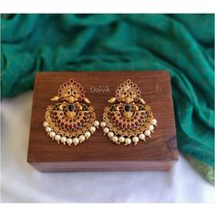 Stunning imitation antique chandbali earrings adorned with tiny pearls. Gold Jhumka Earrings, Indian Jewelry Earrings, Jewelry Design Earrings, Gold Earrings Designs, Gold Jewellery Design, Antique Earrings, India Jewelry, Gold Necklace, Gold Designs