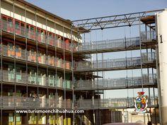 #turismoenciudadjuarez  #ciudadjuarez  #hotelenciudadjuarez #visitaciudadjuárez  TURISMO EN CIUDAD JUÁREZ  Hotel de la Zona Consulado. Se trata de un hotel que se encuentra construido con contenedores de Barco, te imaginas un edificio así, ven a conocerlo.