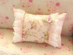 dollhouse shabby chic miniatures pillow by Mondinadollhouse, Shabby Chic Pillows, Shabby Chic Pink, Vintage Shabby Chic, Diy Pillows, Shabby Chic Style, Decorative Pillows, Chabby Chic, Cushions, Polka Dot Bedding