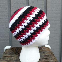 Jagged Edges Mens Beanie Pattern by grammabeans on Etsy I just love the colors of this hat made by @The Palmetto Hooker using my pattern!
