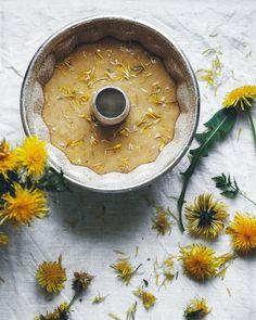 A bundt pan full of sunshine 💛