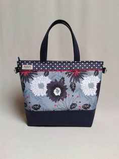 Base-bag 15 #női #táska Bagan, Purses And Bags, Diaper Bag, Handbags, Tote Bag, Crafts, Fashion, Scrappy Quilts, Fabric Handbags