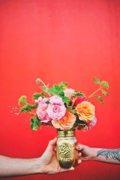 gold mason jar floral arrangement. Let's make these ... ok?