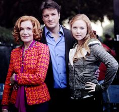 Nathan Fillion with Castle family: Susan Sullivan (Martha--mom) and Molly Quinn (Alexis--daughter)