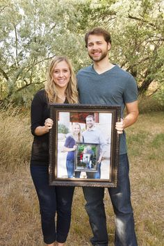 Anniversary photo tradition idea. Start by holding your wedding photo on your first anniversary and each year, hold the picture from the year before!