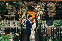 This is incredible! Unique work by  MerryLove Weddings http://www.bridestory.com.sg/merrylove-weddings/projects/van-mi-derek-s-wedding