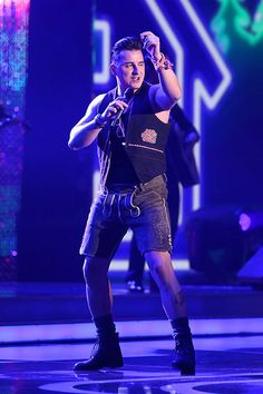 Andreas Gabalier is not German but very close to Germany. He comes from Austria. ~ Great!