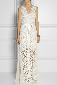 20 Seriously Cool Wedding Dresses #refinery29  http://www.refinery29.com/cheap-wedding-dresses#slide13
